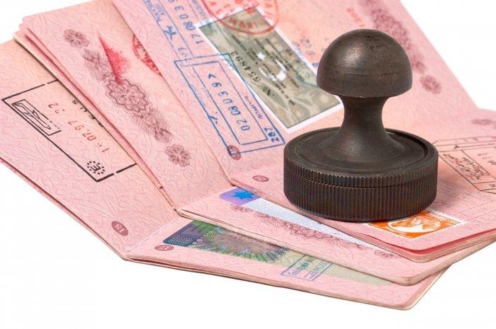 МИД Украины готов ввести визовый режим с Россией