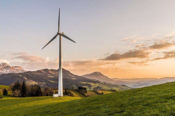 Новак заявил о барьерах на пути мировой энергетики