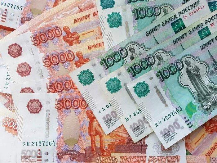 Рубль продемонстрировал худшие показатели среди валют