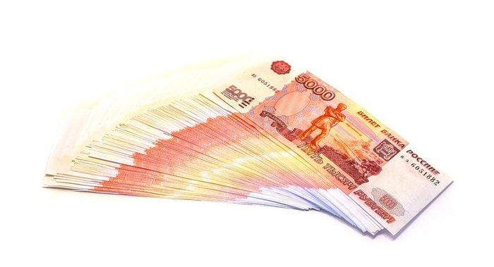 Рубль отыгрывает потери на открытии торгов