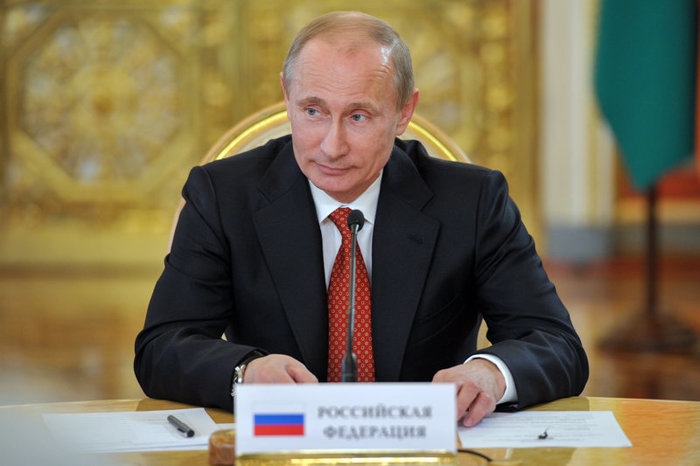 Песков рассказал о конкуренции Путину на выборах