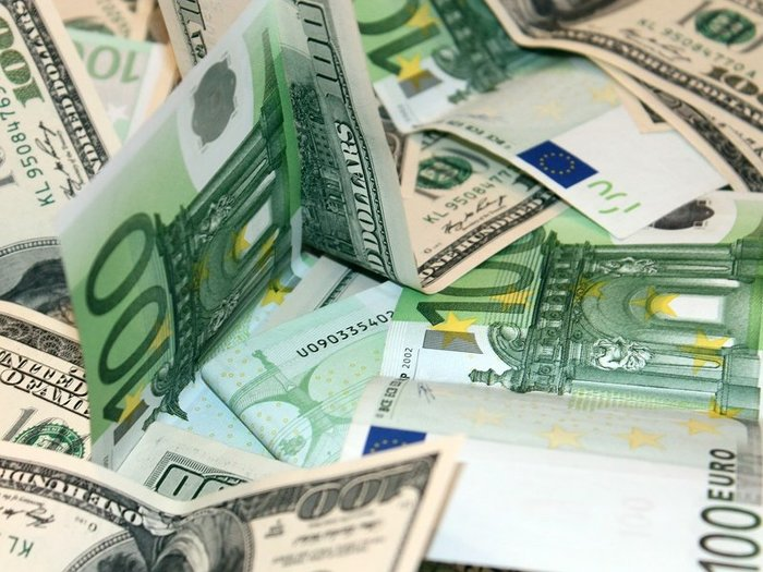 Биржевой курс евро превысил 70 рублей