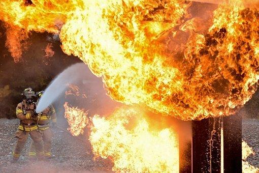Вину за гибель людей в «Зимней вишни» возложили на пожарного