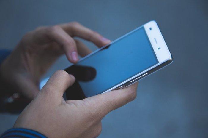 Дешевые Android-смартфоны оказались шпионами