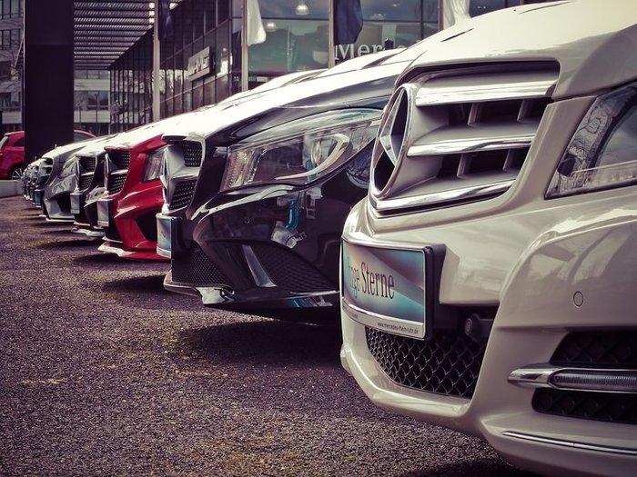 Принят закон о регистрации машин у автодилеров