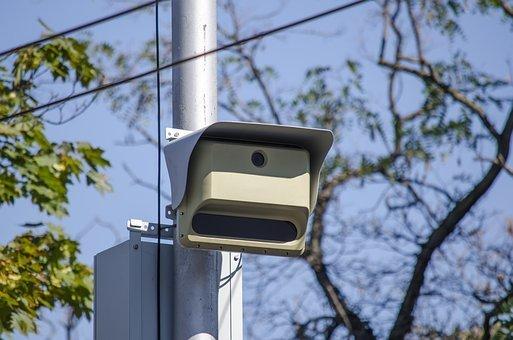Дорожные камеры начнут штрафовать за езду без страховки