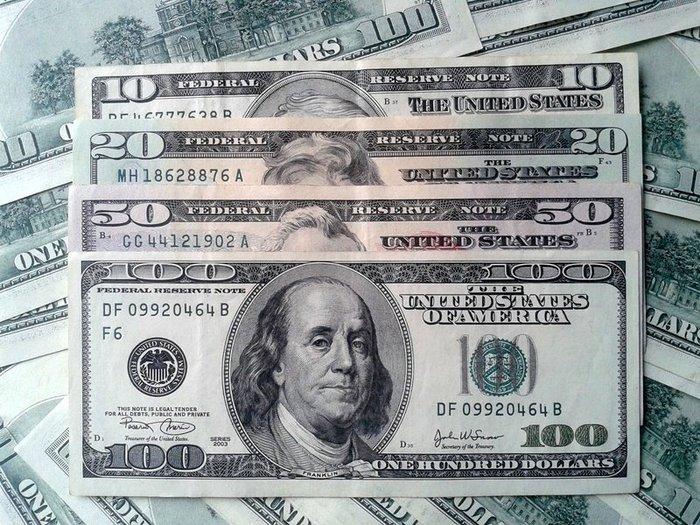 Путин поддержал идею об отказе от господства доллара