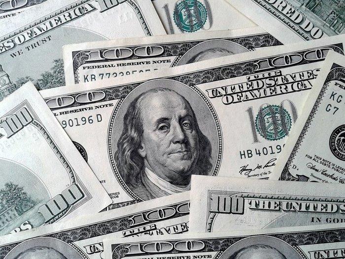 Доллар превысил 67 рублей