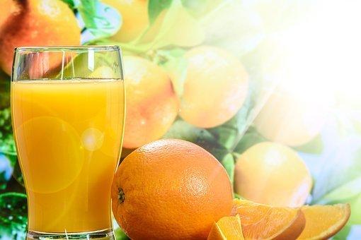Определены лучшие марки апельсинового сока