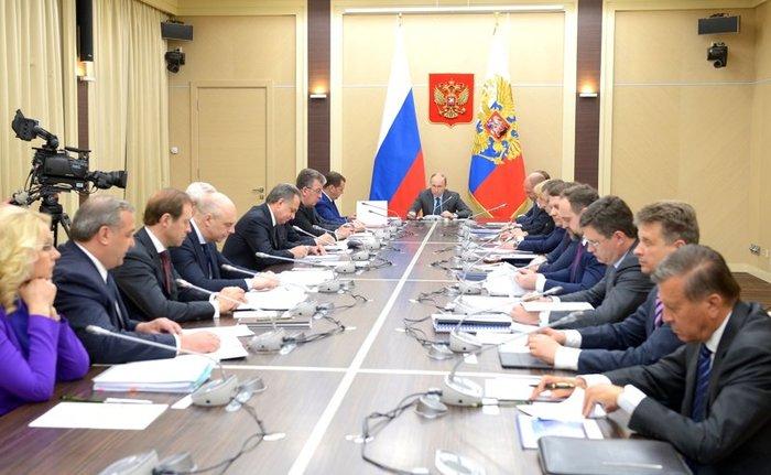 Более половины россиян хотят отставки правительства
