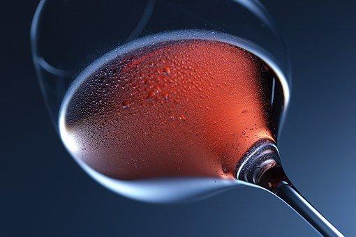 Роскачество проверило розовое вино