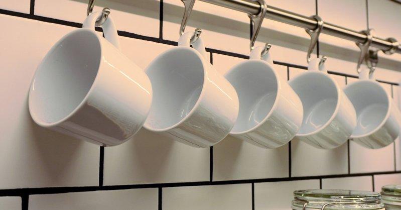 Из-за пандемии британскому богачу пришлось мыть посуду